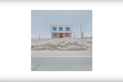 An Agoraphobic Traveller Shoots Images Using the Web