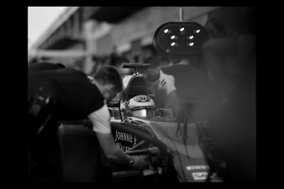 Anachronism in Action: Shooting Formula One Racing With a Century-Old Camera