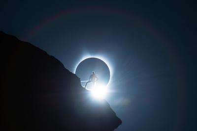 Top 10 Solar Eclipse Photos Found Around the Web