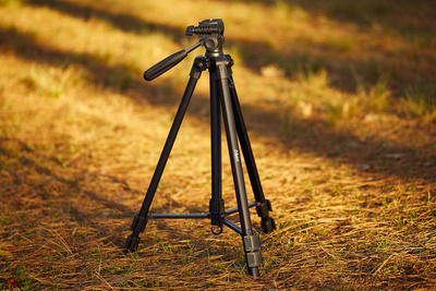 Fstoppers Reviews the Albott Midsize Travel Tripod