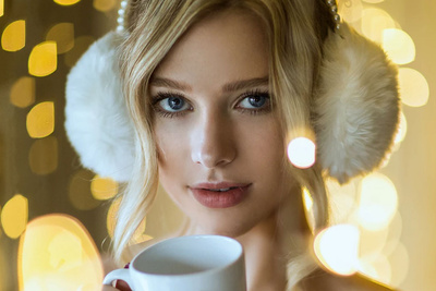 Shooting Soft and Natural Portraits Using Inexpensive Christmas Lights