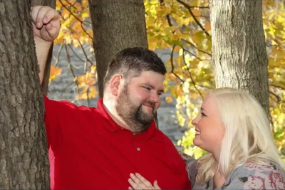 Wedding Photographer Accused of Fat-Shaming After Over-Editing Engagement Photos