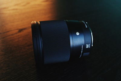 Fstoppers Reviews the Beautifully Crafted Sigma 16mm f/1.4 DC Contemporary Lens