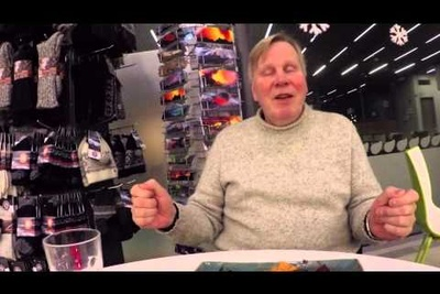 Icelandic Tour Guide Goes On Hilarious Rant About Photographers