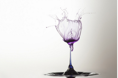 Beautiful Artistic Water Droplets Resemble Sculpture