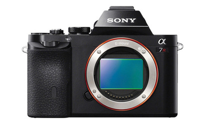 Fstoppers Reviews the Sony a7R Compact Full Frame Camera