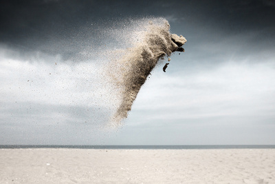 "Intriguing ""Sand Creatures"" Series Features Bursts of Sand Frozen in Mid-Air"