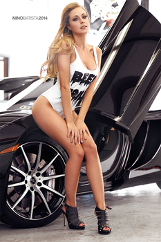 Shooting Glamour Models With Exotic Cars Fstoppers