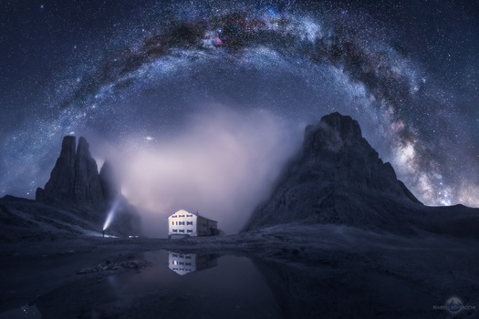 Milky Way Arch - Nightscape panorama by Isabella Tabacchi