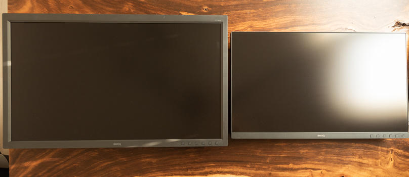 BenQ SW320 and SW271 compared