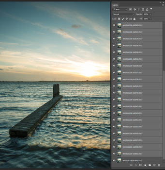 Perhaps it takes a while, but eventually you have all images loaded into layers. If you have too many images, you can divide the amount and repeat the steps.