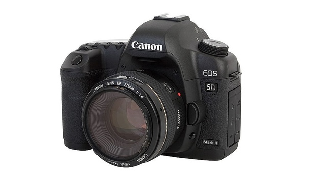 Would you pay to have additional firmware features or fixes on your Canon 5DII?