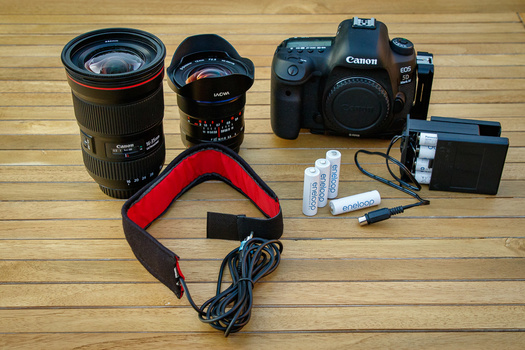 For night photography - stars and Milky Way - I often end up using a 16-35mm lens. If 16mm isn't wide enough, I can use the 12mm Laowa. Both have a f/2,8 aperture to capture enough light. This set is accompanied by a heat tape to prevent any dew or moistu