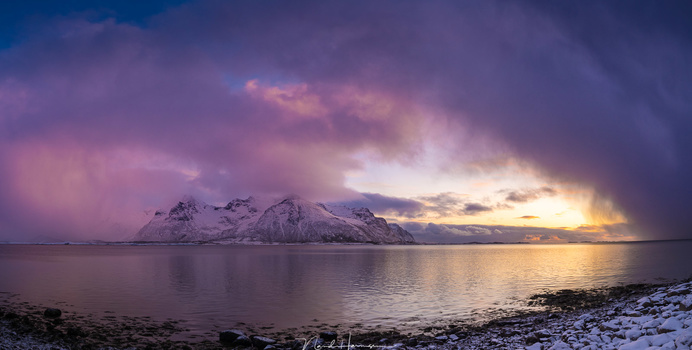 Clouds of the Polar Low at sunset (panorama from three 23mm shots, ISO320, f/8, 1/125s, handheld)
