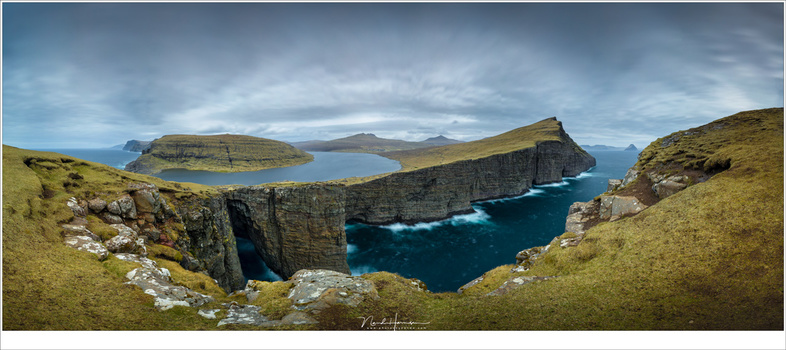 When there is a close by foreground, parallax errors will likely occur if you don't look out. I used a Really Right Stuff PG-01 Compact Pano-Gimbal Head for this panorama at the Faroe Islands