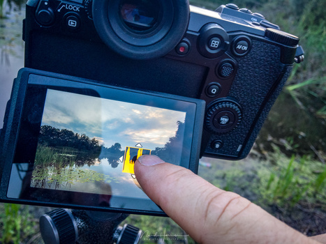 The best touch screen on a modern camera can be found on the Panasonic DC-S1. Even the location of the histogram can be placed wherever you like, just by swiping. And every other function can be operated by touch screen.