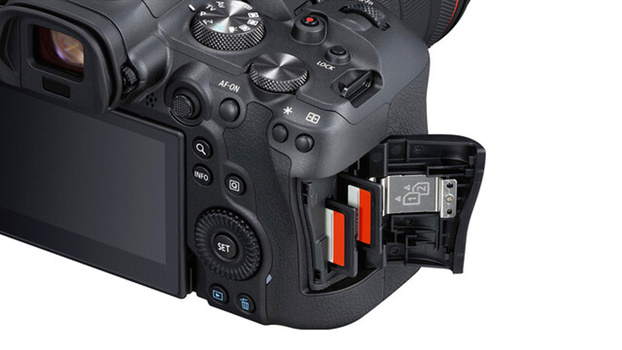 Canon EOS R6 card slots