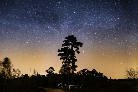 Determine the best shutter speed for photographing shooting stars will be very easy. Now I know the exact shutter speed, and I don't have to guess, or stay on the safe side. (Lyriden meteor and the Milky Way, shot  in April 2020)