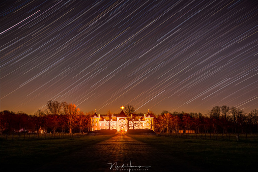 Photographing startrails is a fun thing to do. If you use a shutter speed that is long enough, the stars will make the trails for you. (84x 30 seconds exposure, 35mm focal length)