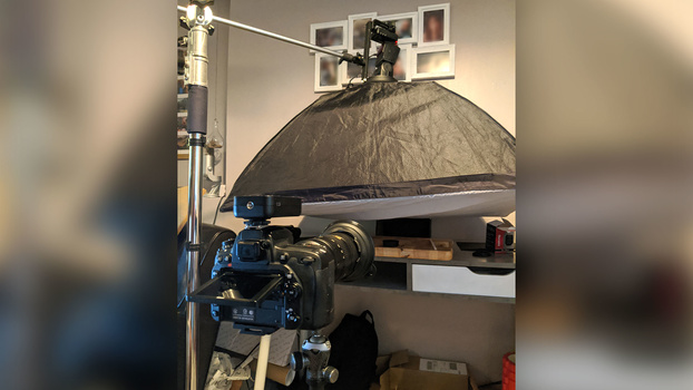 Camera and lighting rig for bubble photography