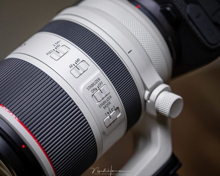 The control buttons on the RF 70-200mm f/2.8L IS are probably familiair when you have used a Canon lens before.
