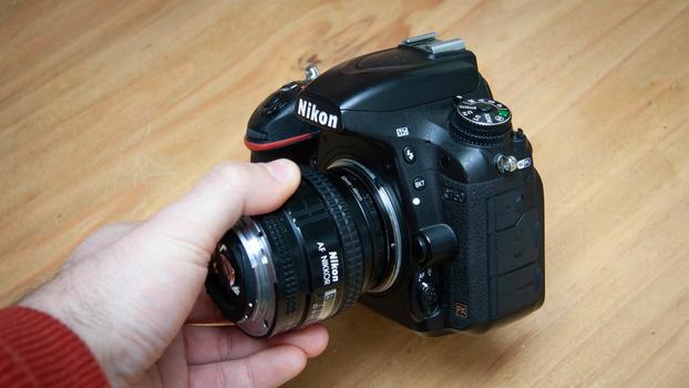 Reversing lens on camera body