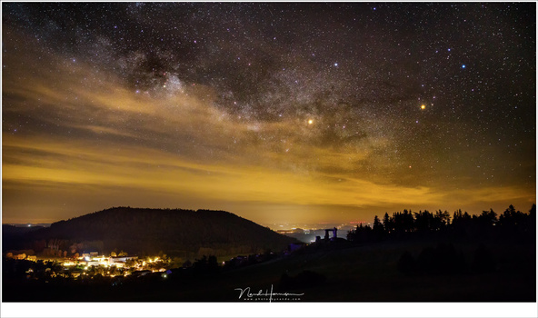 A Milky Way shot with lots of light pollution. This is without the use of a filter (12mm - ISO3200 - f/2,8 - 13 sec)