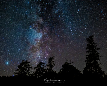 The Milky Way in a rural sky. Shot with the Haida Clear Night filter to remove the last bit of light pollution (35mm - ISO6400 - f/2,8 - 8 sec)