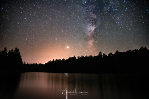 A post-processed image of the Milky Way, shot with the Haida Clear Night to remove as much color cast as possible  (24mm - ISO12800 - f/2,8 - stack of ten 15 sec images)