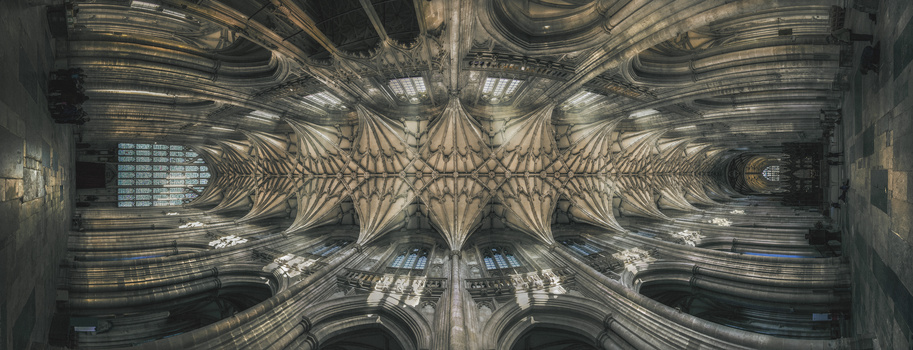 Winchester Cathedral by Zoltan Tasi