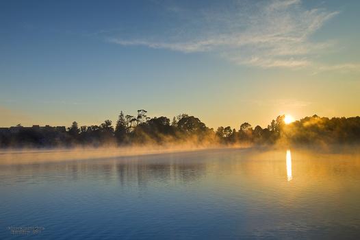 Hamilton lake at sunrise