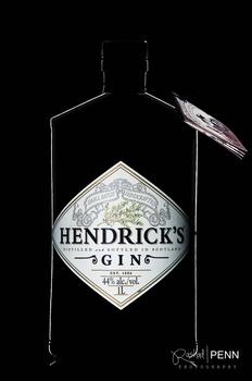 Hendrick's Gin dark field