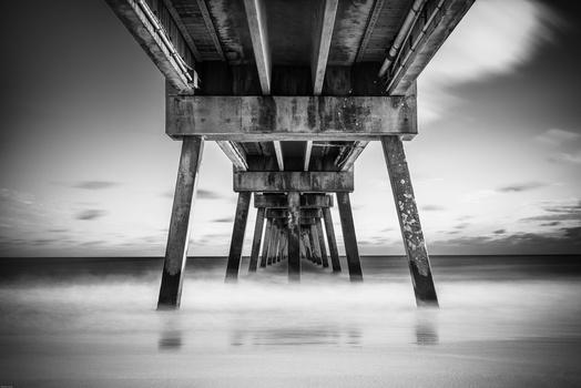 Destin's pier by ronan colin