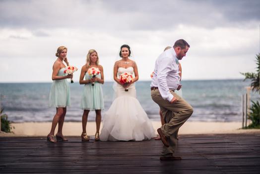 Sneaky groomsmen