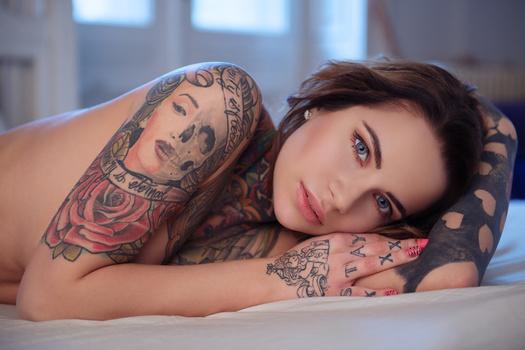 The Tattooed girl II.
