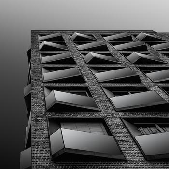 Square shape v.2 by Hanaa Turkistani