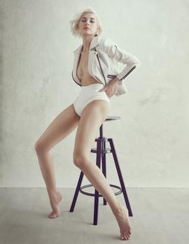 White Room_01 by Irina Jomir