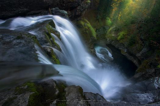 Big waterfalls land by Unai Larraya