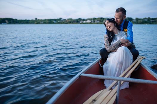 Canoe-dling