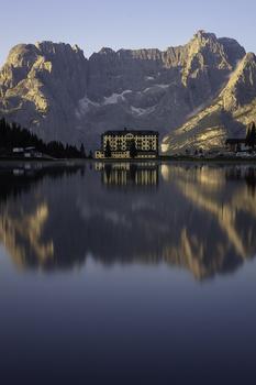Sunrise in Lake Misurina by Giulio Mignani