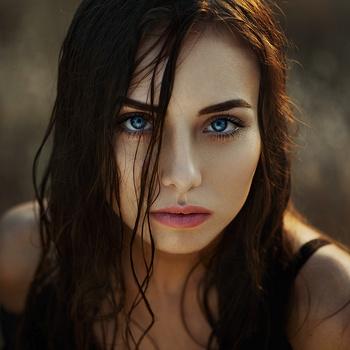 Natasha by Ann Nevreva