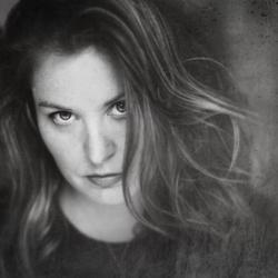 Jessica Drossin's picture