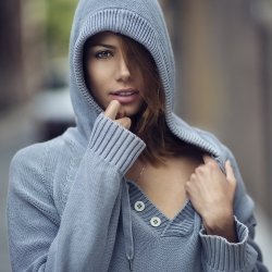 Stephanie - Natural Light