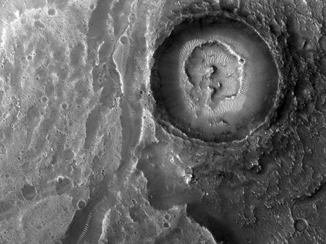 space180-mars-crater_47844_600x450