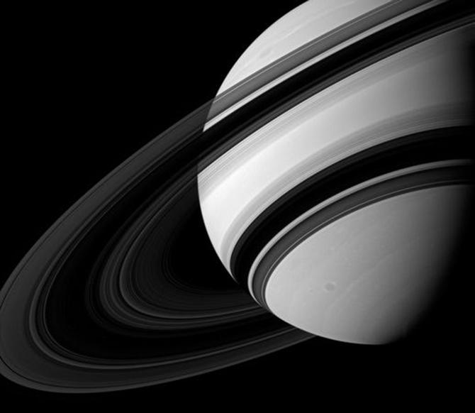 space224-saturn-rings_61802_600x450