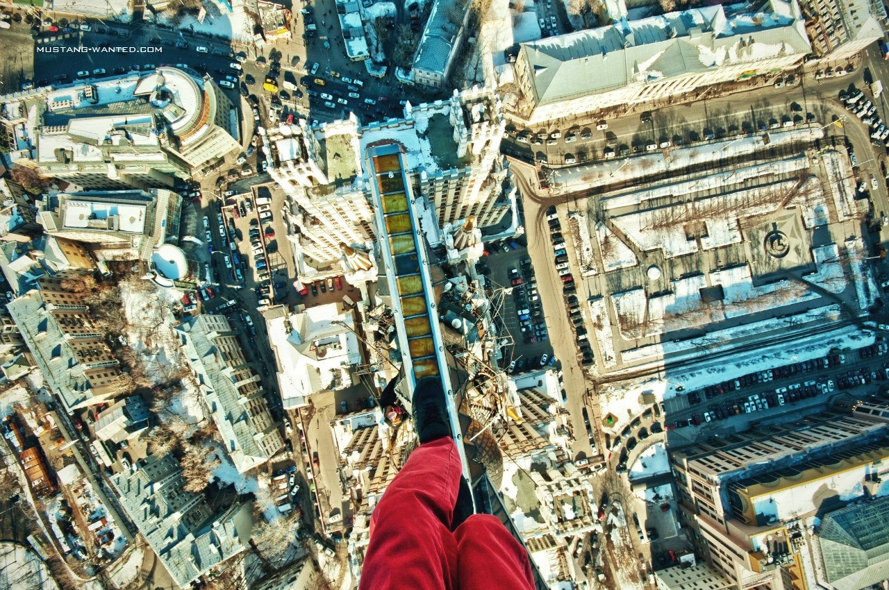 Death Defying Photos Of Mustang Wanted Fstoppers - Meet craziest man world mustang wanted