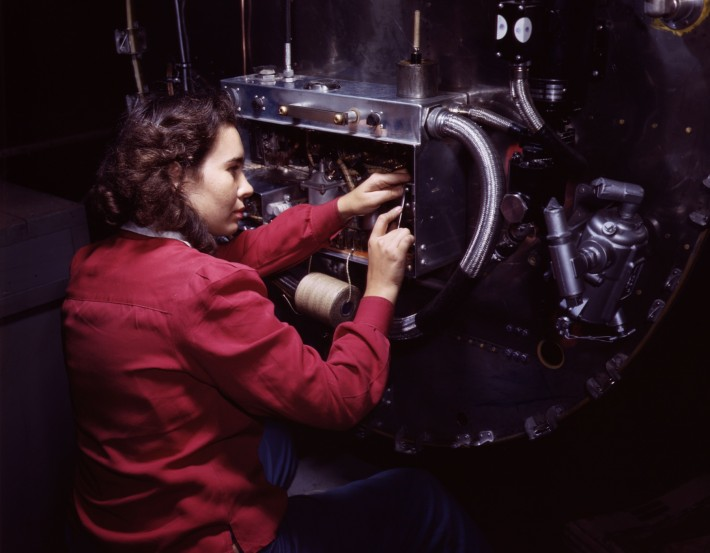 Switch_boxes_on_the_firewalls_of_B-25_bombers_are_assembled_by_women_workers_at_North_American_Aviation_Inc's,_Inglewood,_Calif,_plant