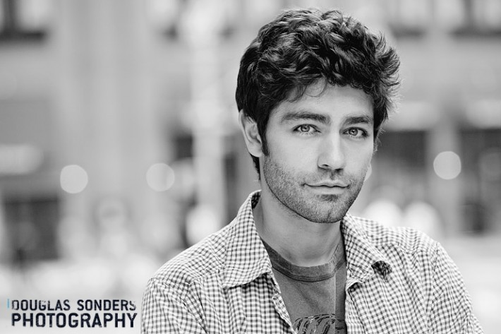 Adrian Grenier (Entourage): 2 setups inside and outside in 10 minutes