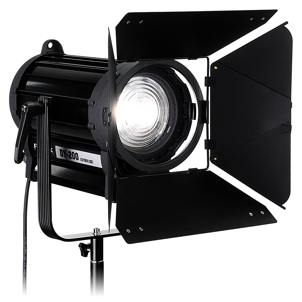 Fotodiox Takes LED To Film/TV Market With New Fresnel