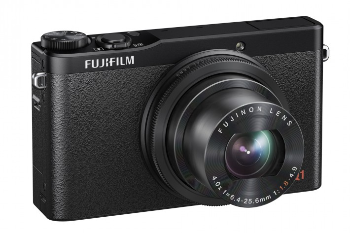Fstoppers_DavidGeffin_gear_news_Fujifilm_X-Q1_Black_Front_Camera.jpg